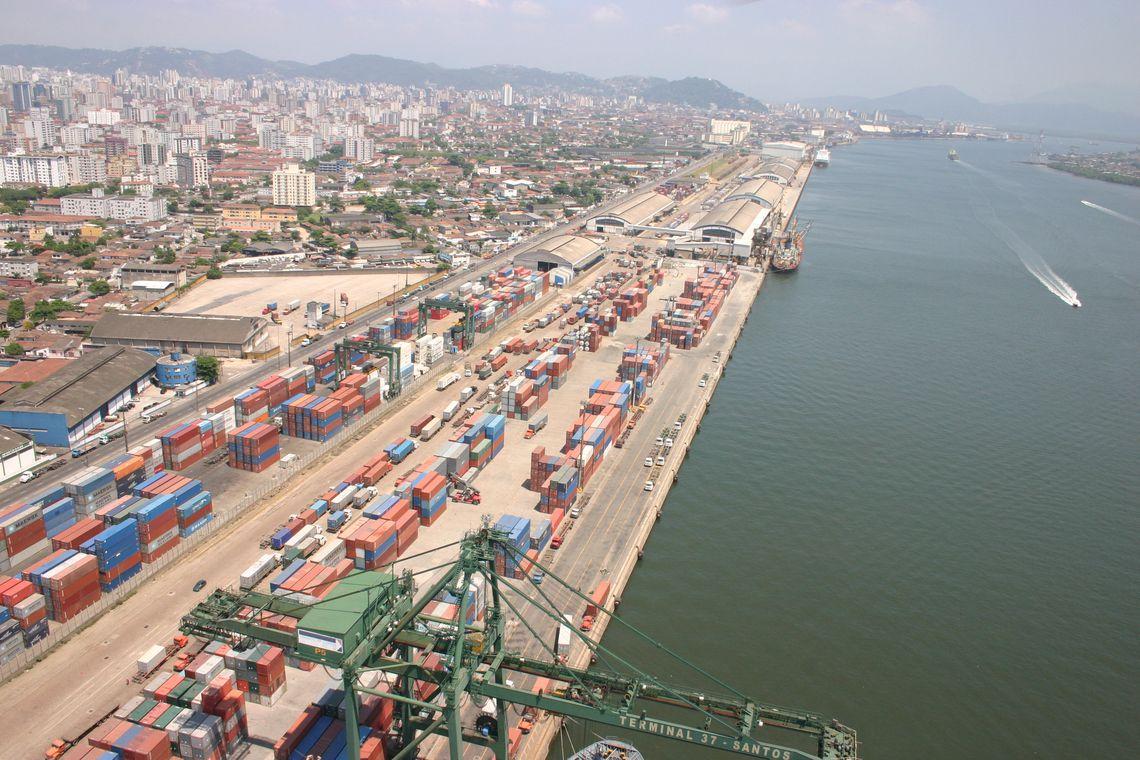 Porto de Santos pode exportar 40% da balança comercial do país