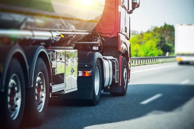 Frete rodoviário cai 25% em um mês; agronegócio reduz só 1,4%