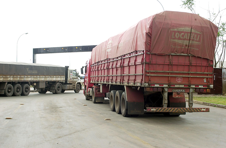 Demanda por transporte rodoviário de cargas começa a se estabilizar