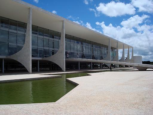 Pesquisa CNT-MDA revela queda na avaliação do governo Bolsonaro