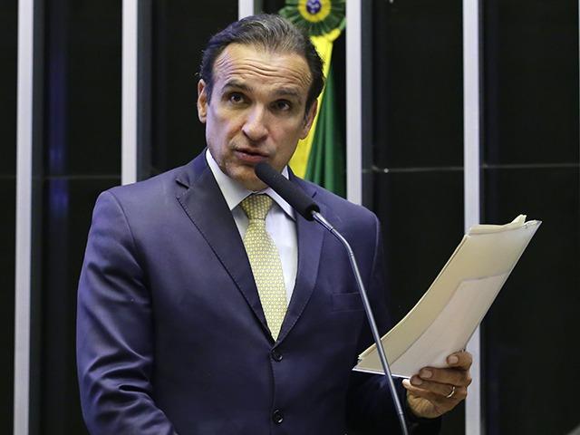 Hugo Leal propõe diminuir tempo de redução de alíquotas do Sistema S